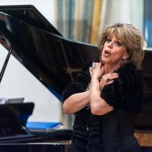 Любовь Казарновская провела мастер-класс по «Призраку оперу»